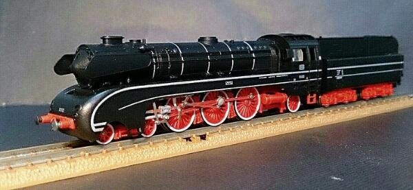 DB/ドイツ国鉄【BR 10★高速蒸気機関車】ARNOLDの画像1