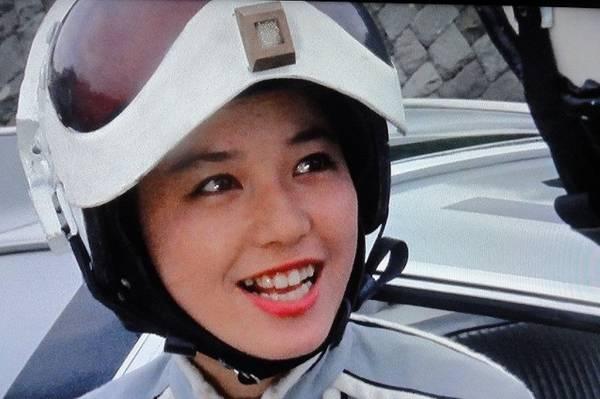ウルトラセブンでヘルメットをかぶっているひし美ゆり子の画像