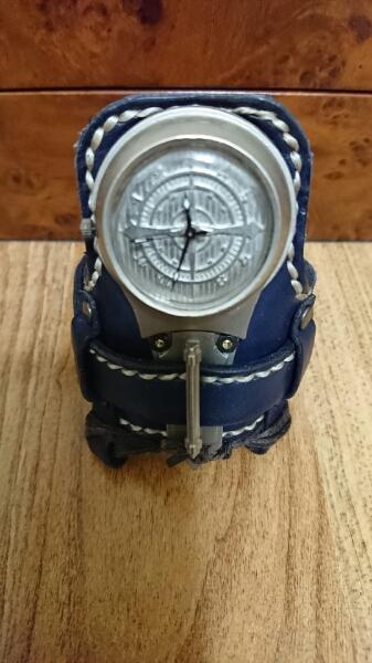 とるき亭バングル時計