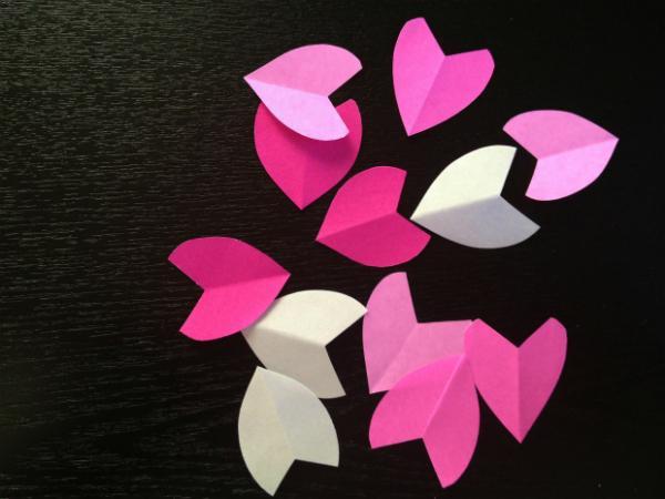 玫纸花折法步骤