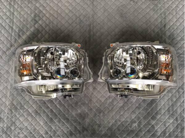 《新車外し》4型ハイエースダークプライム純正LEDヘッドライト