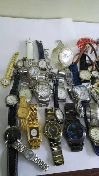 ジャンク!スカーゲン、バレンチノ他ファッション時計約40本_画像2