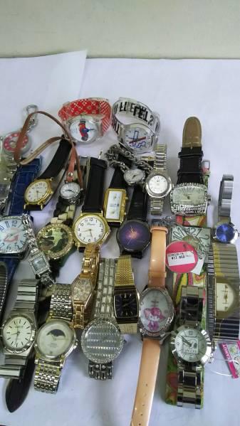 ジャンク!スカーゲン、バレンチノ他ファッション時計約40本