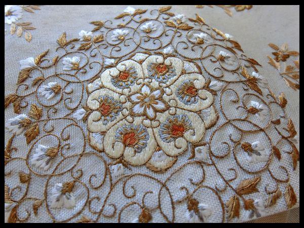 逸品□正絹□白銀暈し引き箔□刺繍更紗華文様袋帯□金ベージュ_画像2