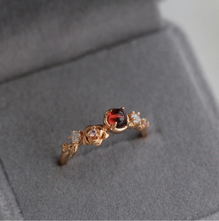 S1682 【今だけセール・数量1個】 女性 ローズゴールド フラワー リング 指輪 レディ―ス ファッション アクセサリー レッド 赤_画像1