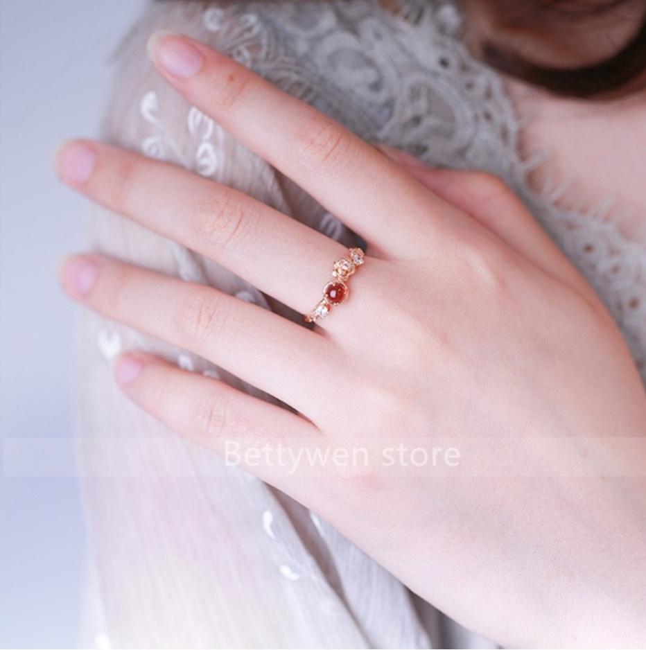 S1682 【今だけセール・数量1個】 女性 ローズゴールド フラワー リング 指輪 レディ―ス ファッション アクセサリー レッド 赤_画像2