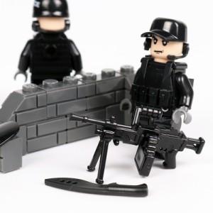 MOC LEGO レゴ ブロック 互換 SWAT 特殊部隊 アンチテロ部隊 カスタム ミニフィグ 6体セット 大量武器・装備・兵器付き D217_画像6