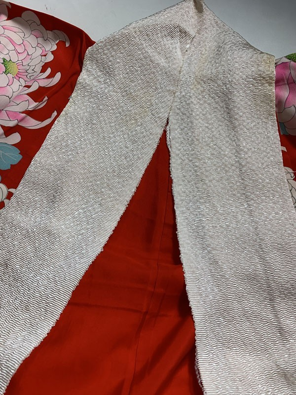 きものさらさ アンティーク 長襦袢 赤地に菊 じゅばん 正絹 大正ロマン アンティーク着物にも リメイク_画像5