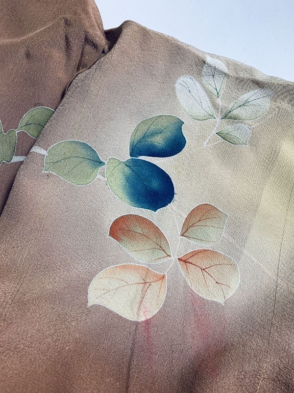 きものさらさ アンティーク 訪問着 茶 ブラウン 薔薇 刺繍 正絹 古布 KIMONO姫 モダン ヴィンテージ_画像4