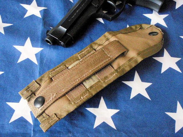 F300★米軍M9 ベレッタ ピストル用シングル マガジンポーチ/USMC米国海兵隊コヨーテカラーM9A1ハンドガン用マグポーチ/拳銃用弾納_M9PISTOLマガジンは出品物に含まれません。