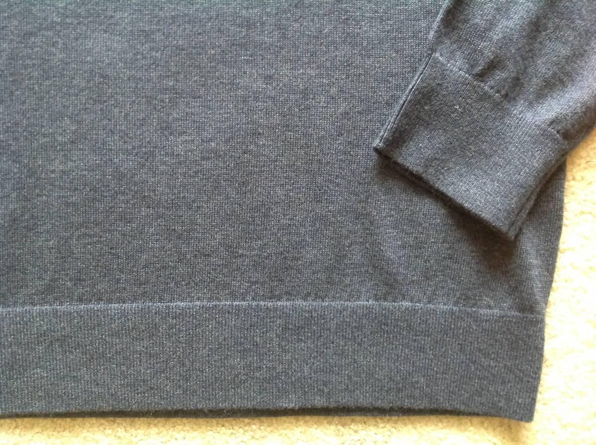 袖裾はリブ編み