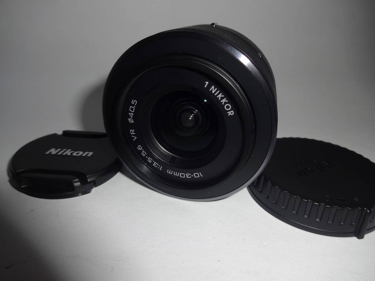 【美品】Nikon 標準ズームレンズ 1 NIKKOR VR 10-30mm f/3.5-5.6 ブラック ニコンCXフォーマット専用 1050361082 送料無料