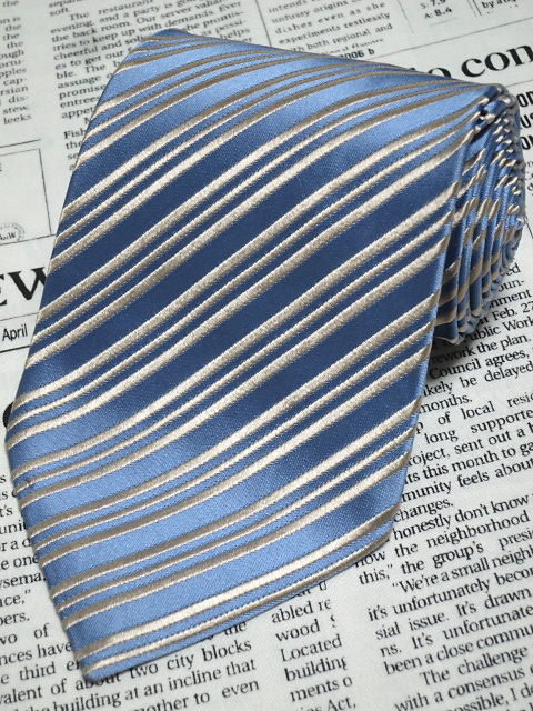 シャルべ Charvet 微光沢 ネクタイ フランス製 シルク 斜めストライプ レジメンタル 青系ベース ブルー系 I-005110 ゆうパケット
