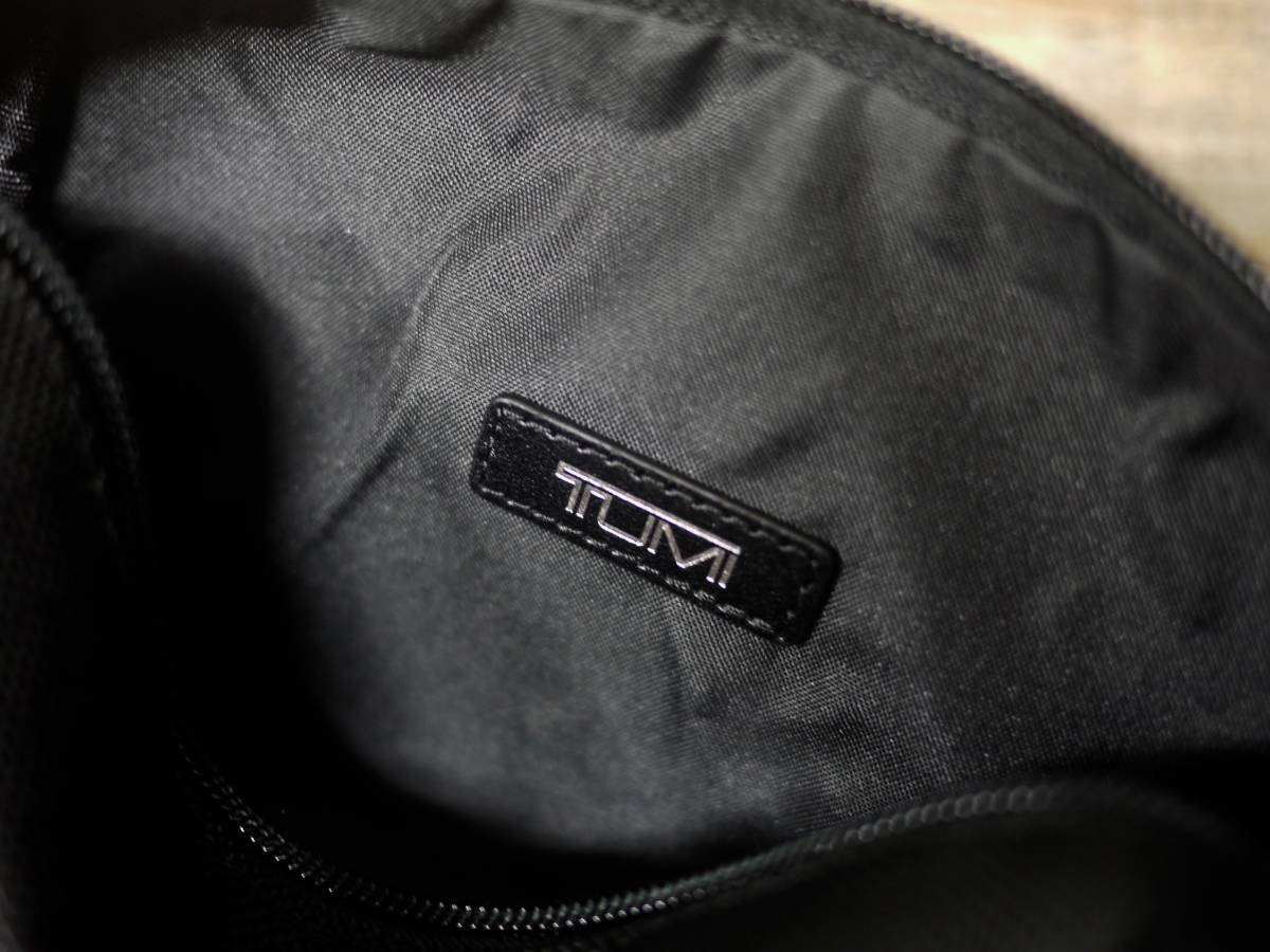 本物正規//バリスティックナイロン仕様 TUMI トゥミ セカンドバッグ/ポーチ Small Kit 新品 BLK/RED_画像4