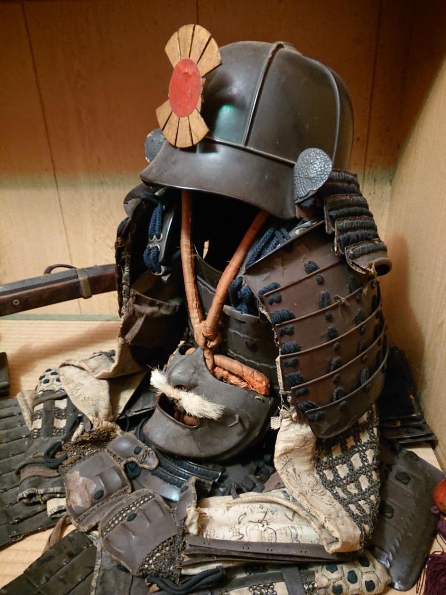 江戸時代 中期 保証 甲冑 鎧 当世具足 鎧兜 一式 鎧櫃 状態良好 _画像2