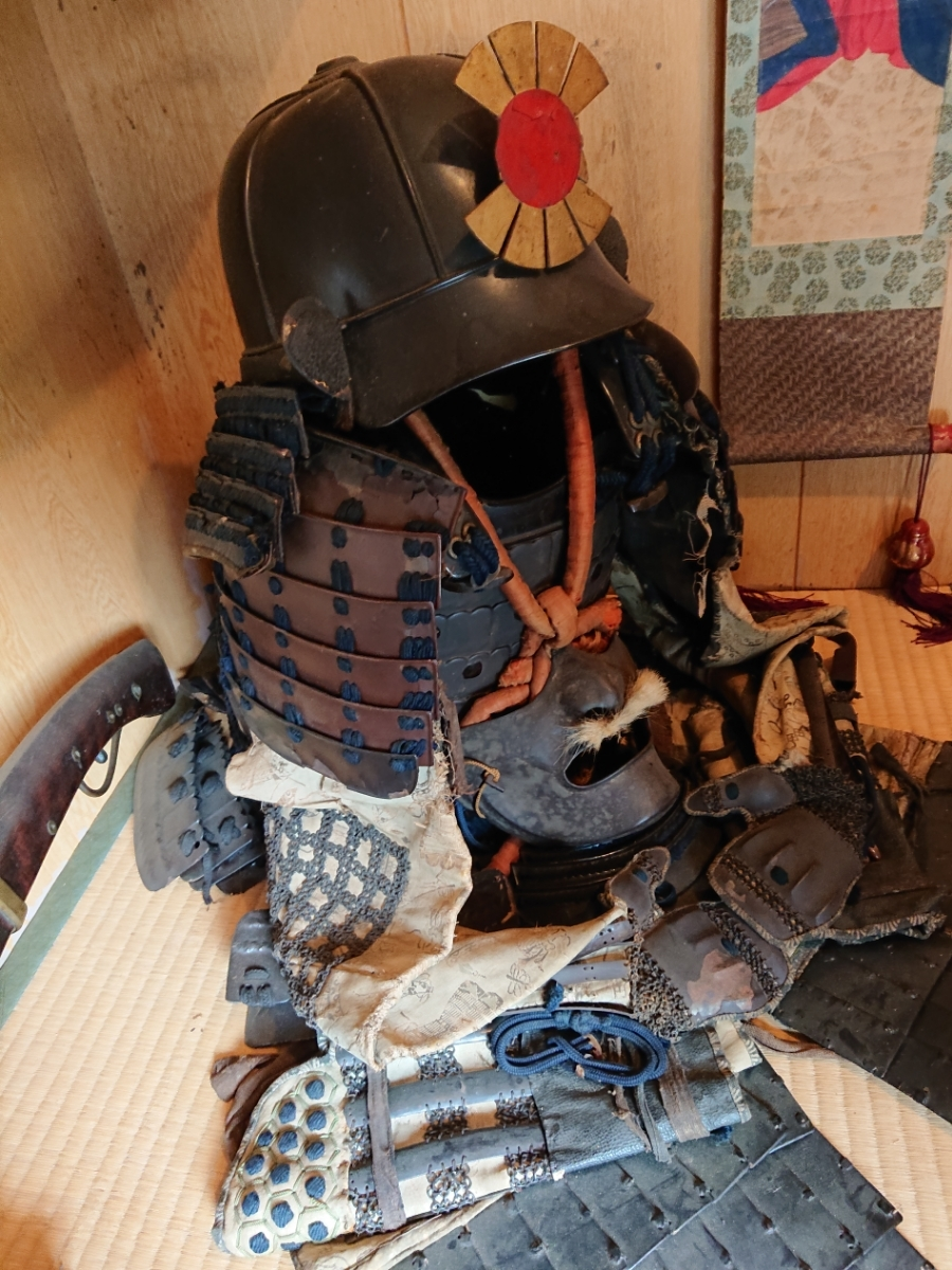 江戸時代 中期 保証 甲冑 鎧 当世具足 鎧兜 一式 鎧櫃 状態良好 _画像9