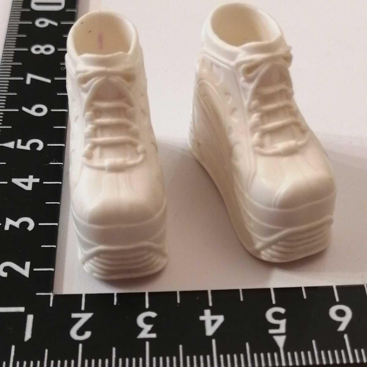 人形用 白 ホワイト ハート 厚底 ブライス リカちゃん ピュアニーモ スニーカー momokodoll着用可能 靴 シューズ 1/6ドール 靴下ok_画像6
