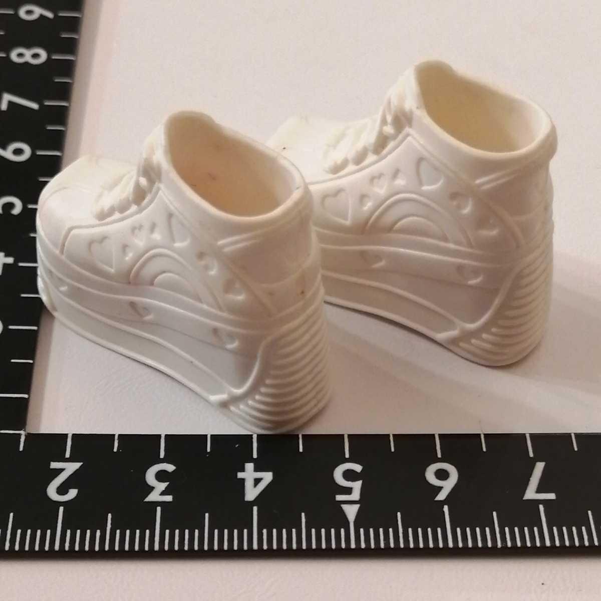 人形用 白 ホワイト ハート 厚底 ブライス リカちゃん ピュアニーモ スニーカー momokodoll着用可能 靴 シューズ 1/6ドール 靴下ok_画像5