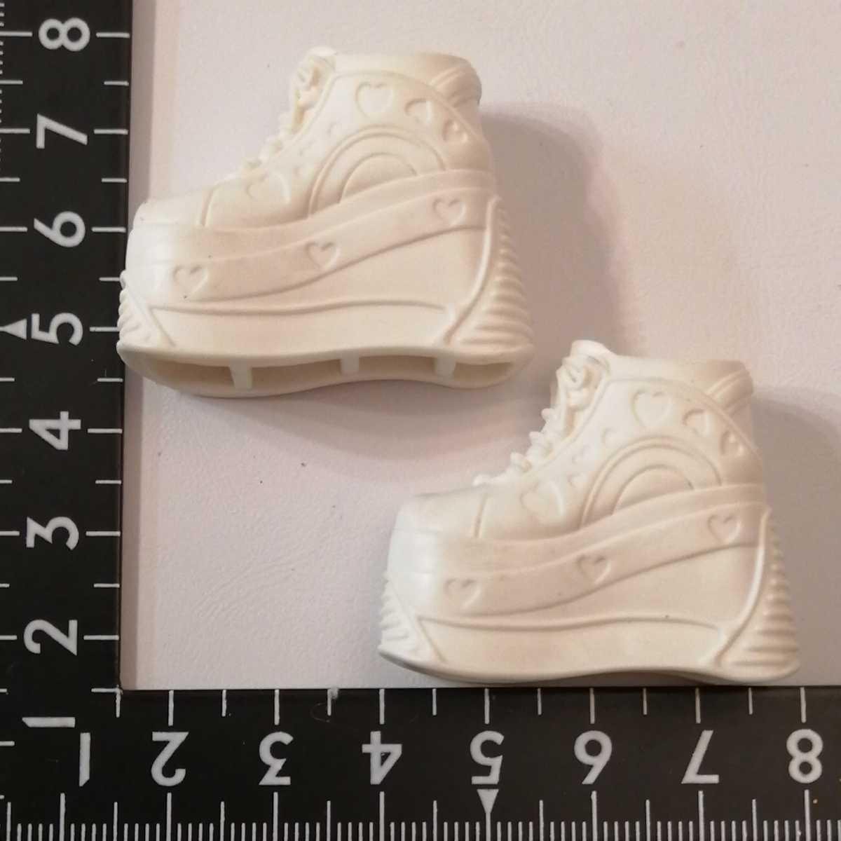 人形用 白 ホワイト ハート 厚底 ブライス リカちゃん ピュアニーモ スニーカー momokodoll着用可能 靴 シューズ 1/6ドール 靴下ok_画像1