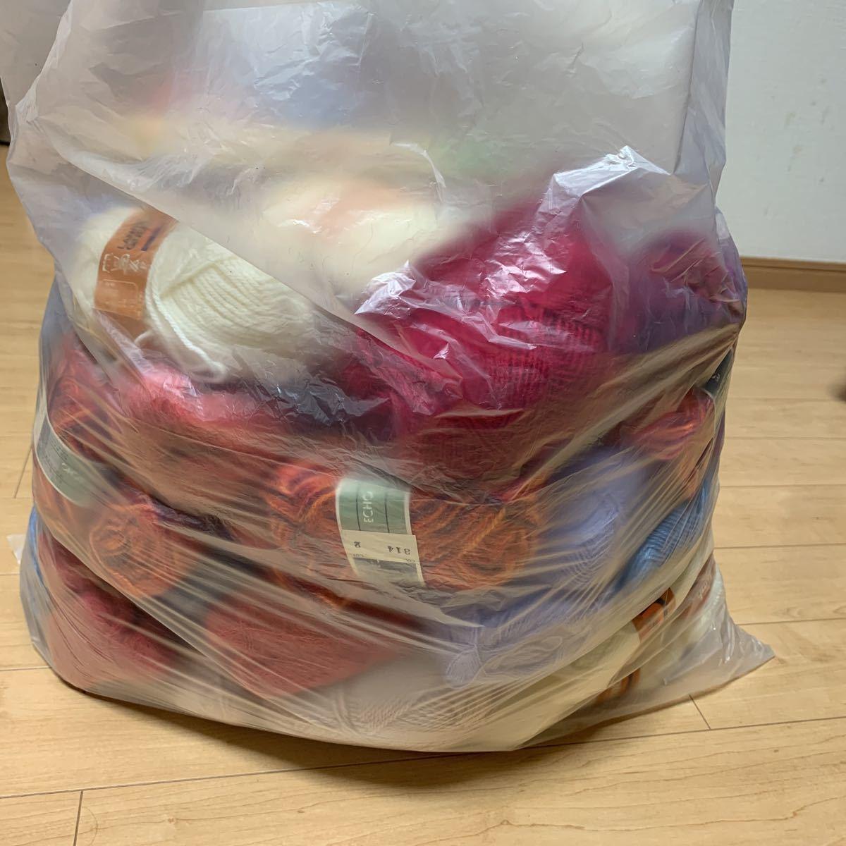 送料込!140サイズ!毛糸 まとめて まとめ売り 大量 編み針 かぎ針 ジャンク品 経年保管品 中古 編み物 手編み _画像1