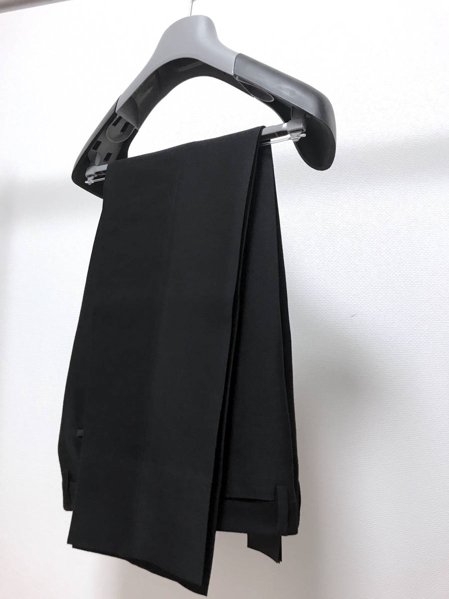 超破格 参考上代40万 新品 PRADA プラダ スーツ 黒 送料無料 冠婚葬祭 ビジネス 純正スーツケース 純正ハンガー ブラック 2B suit メンズ_画像5
