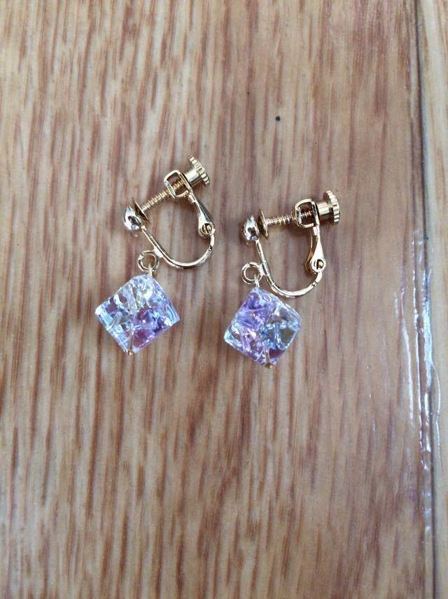 Earring handmade Kotomonomarche cube Swarovski beads confinement system