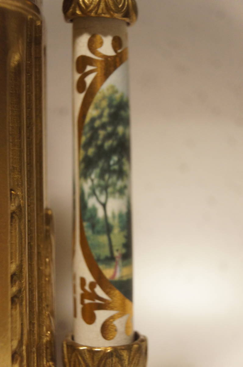 イタリア製  インペリアル オルモルブロンズ 手書き磁器(作者のサイン有り) 装飾時打ち8日巻きテンプ式置き時計可動品_画像3