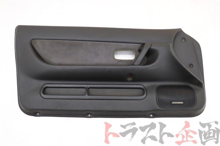 3962218 フロント ドア内張り 助手席側 スカイライン GTS-4 HCR32 後期 2ドア トラスト企画_画像1