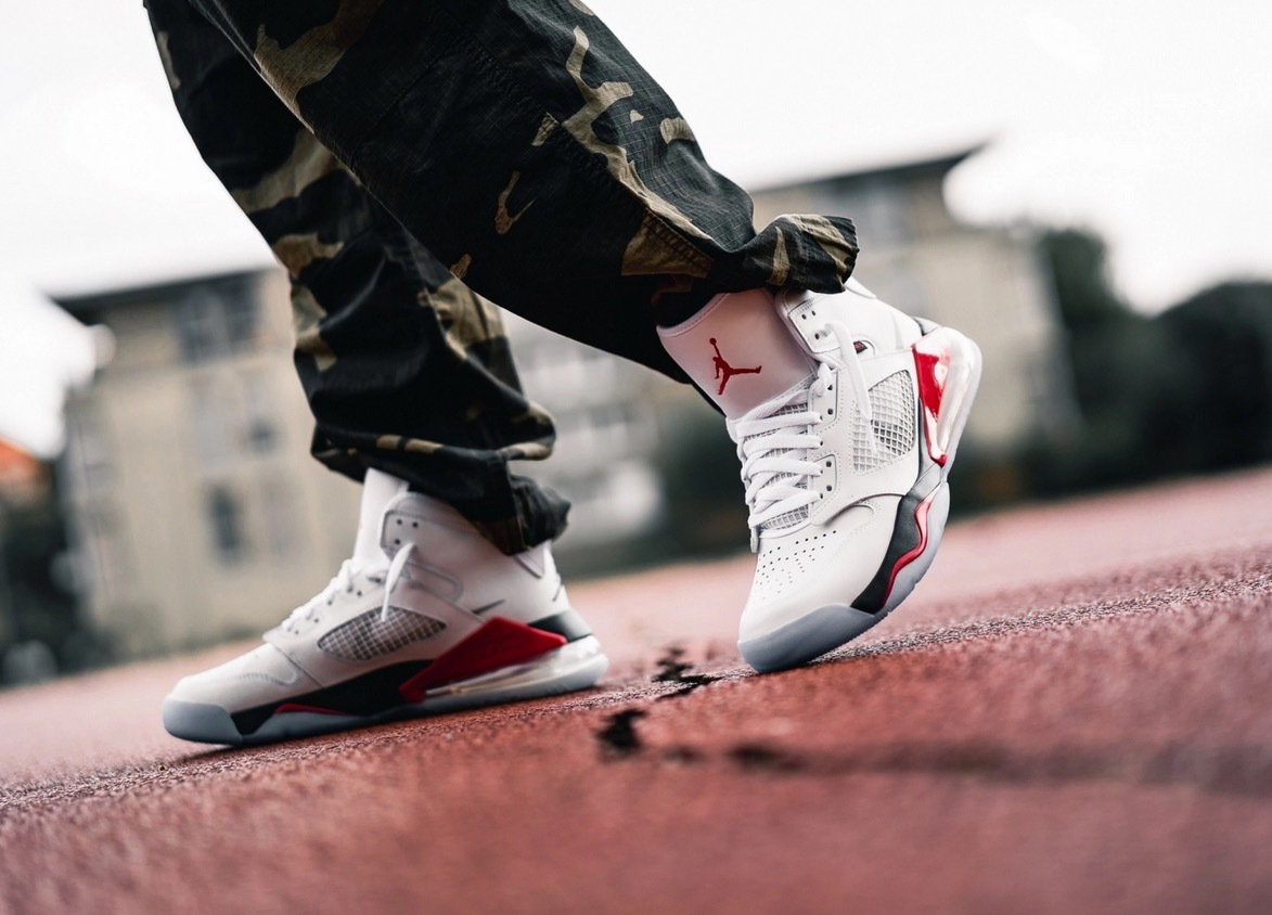 JP27cm 即完売 USA購入 NIKE JORDAN MARS 270 WHITE/BLACK-FIRE RED-CEMENT GRAY ナイキ ジョーダン マーズ 270 US9_画像3