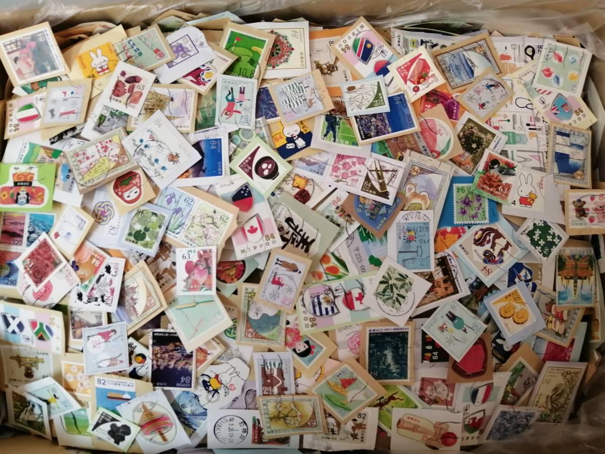 キロボックスのあまり 7㎏くらい?。眱謠攻咯`ト 使用済み切手/普通切手/記念切手 最新切手あり