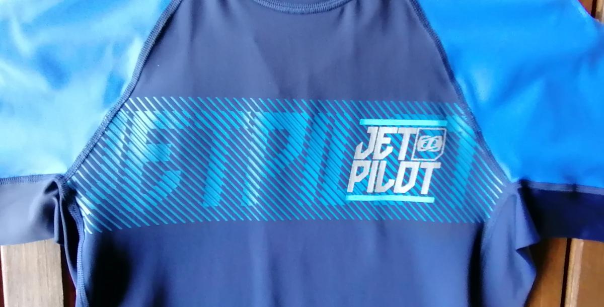 ★☆新品 店頭販売品 JETPILOT ラッシュガード S17502 半袖 サイズM ブルー☆★_画像3