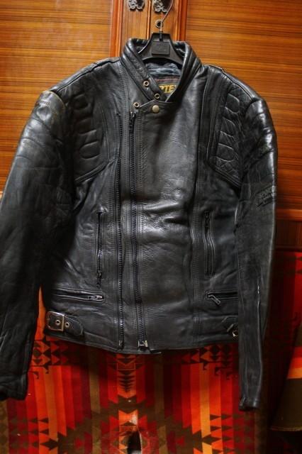 希少 70s ビンテージ ベルスタッフ 同型 ツイントラック 変型 UK ロンジャン レザー ライダース ジャケット ■ルイスレザー Schott 40s 50s_画像3