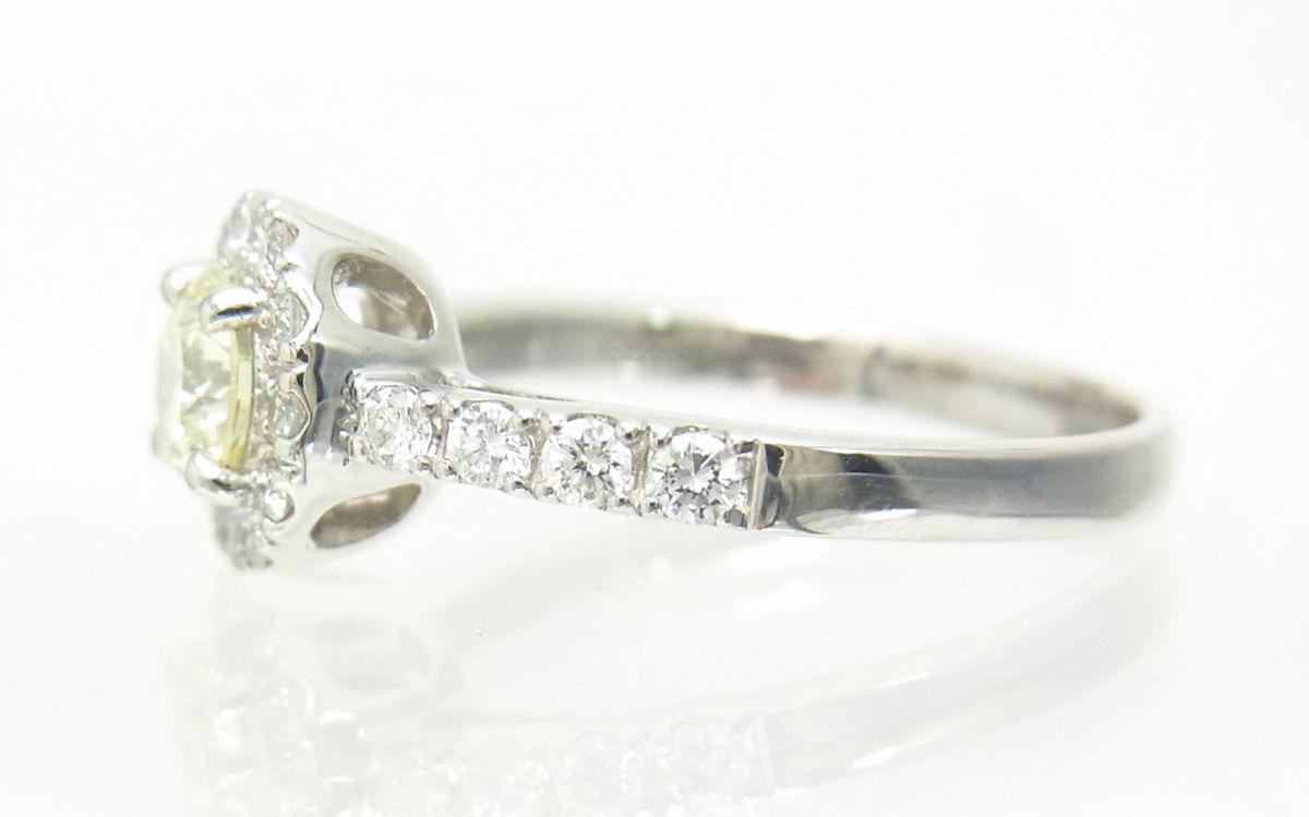 送料込みの即決価格 中央宝石研究所鑑定済 天然ダイヤモンド 0.505ct プラチナ製リング 人気デザイン これは安い 卸価格でご奉仕_画像3