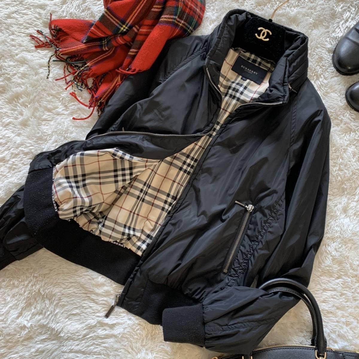 極美品 バーバリーロンドン ナイロン ジャケット ブラック 黒 38 レディース ブルゾン MA-1 フード付き ノバチェック BURBERRY LONDON