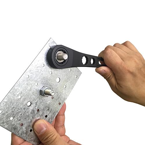 フジ矢・ギア付モンキーレンチ・FGL-38-BG・グリップエンドの17mmラチェットでナットの早回しが可能です。クリックポスト発送可_使用例1