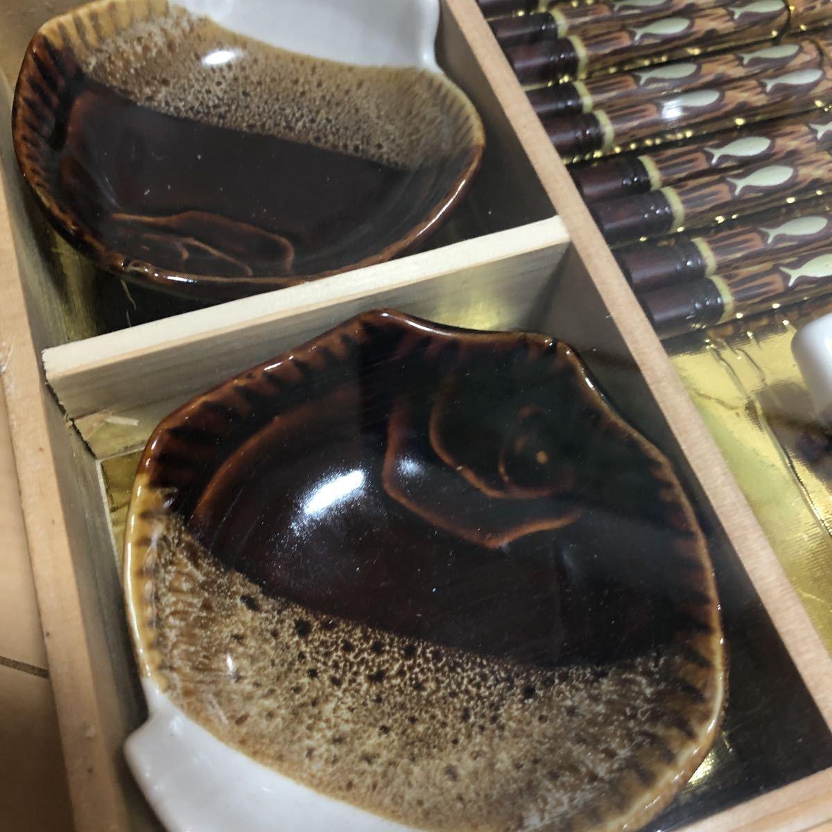 新品 未使用 箸 セット 箸置き 小皿 5膳 陶器 食器 5セット 木箱入り_画像4