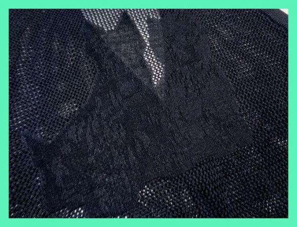 美品☆ブラックアンドホワイト☆麻混☆ビッグテリア柄☆シースルーメッシュニットベスト 日本製 サイズM BLACK&WHITE メンズ 紳士 ゴルフ_画像3