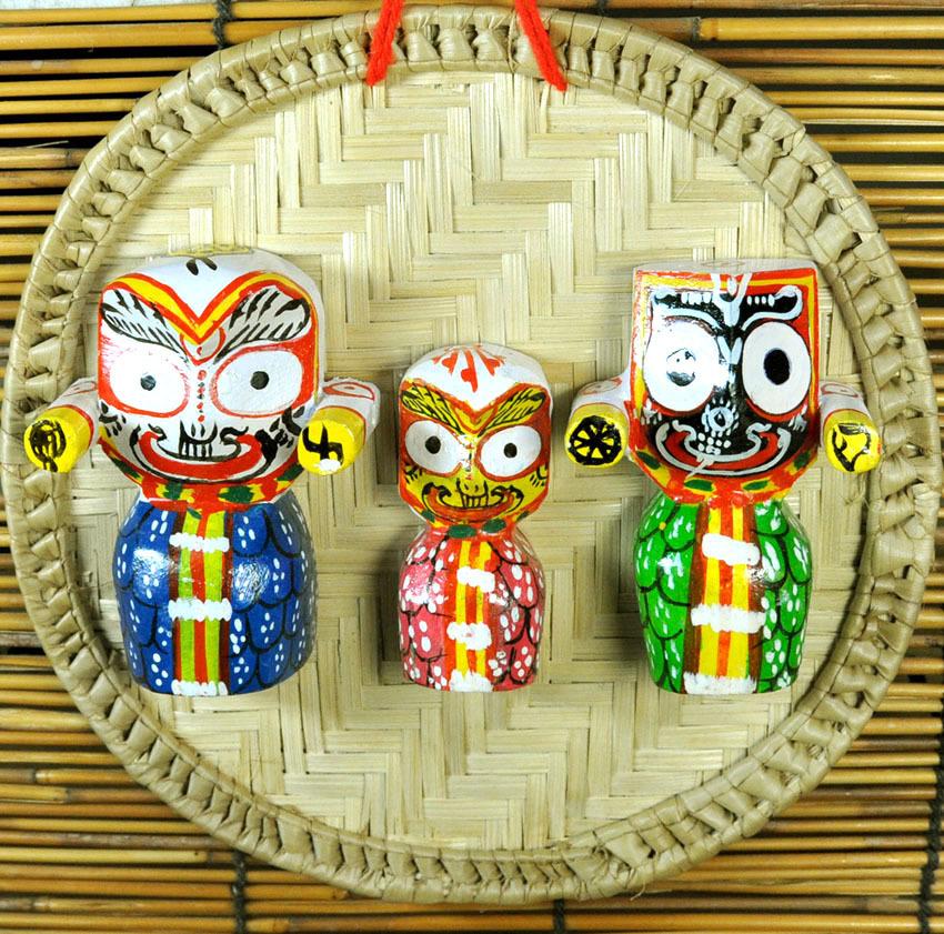 インド神像雑貨 椰子の葉ザルとジャガンナータ三神の壁飾り(小) オリッサ州の土着神 アジアン雑貨 DO-ST206_画像2