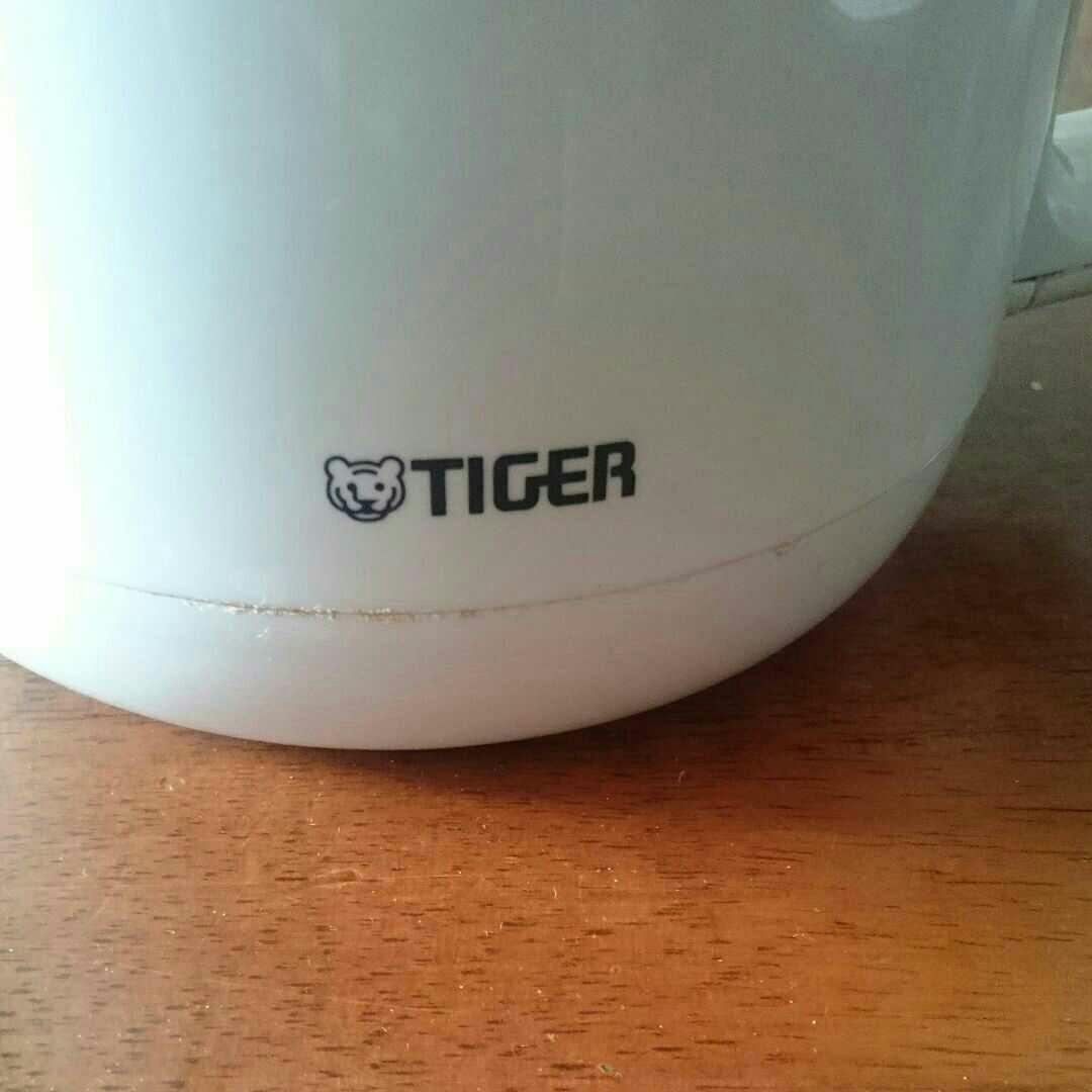 タイガー 電気ケトル ホワイト