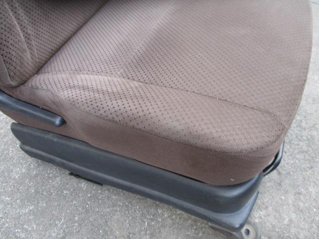 1930455 キャロルエコ HB35S 25年式 右フロントシート 運転席 使用感あり_画像3