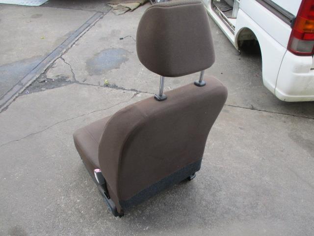 1930455 キャロルエコ HB35S 25年式 右フロントシート 運転席 使用感あり_画像6