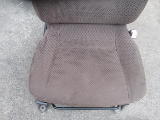 1930455 キャロルエコ HB35S 25年式 右フロントシート 運転席 使用感あり_画像2
