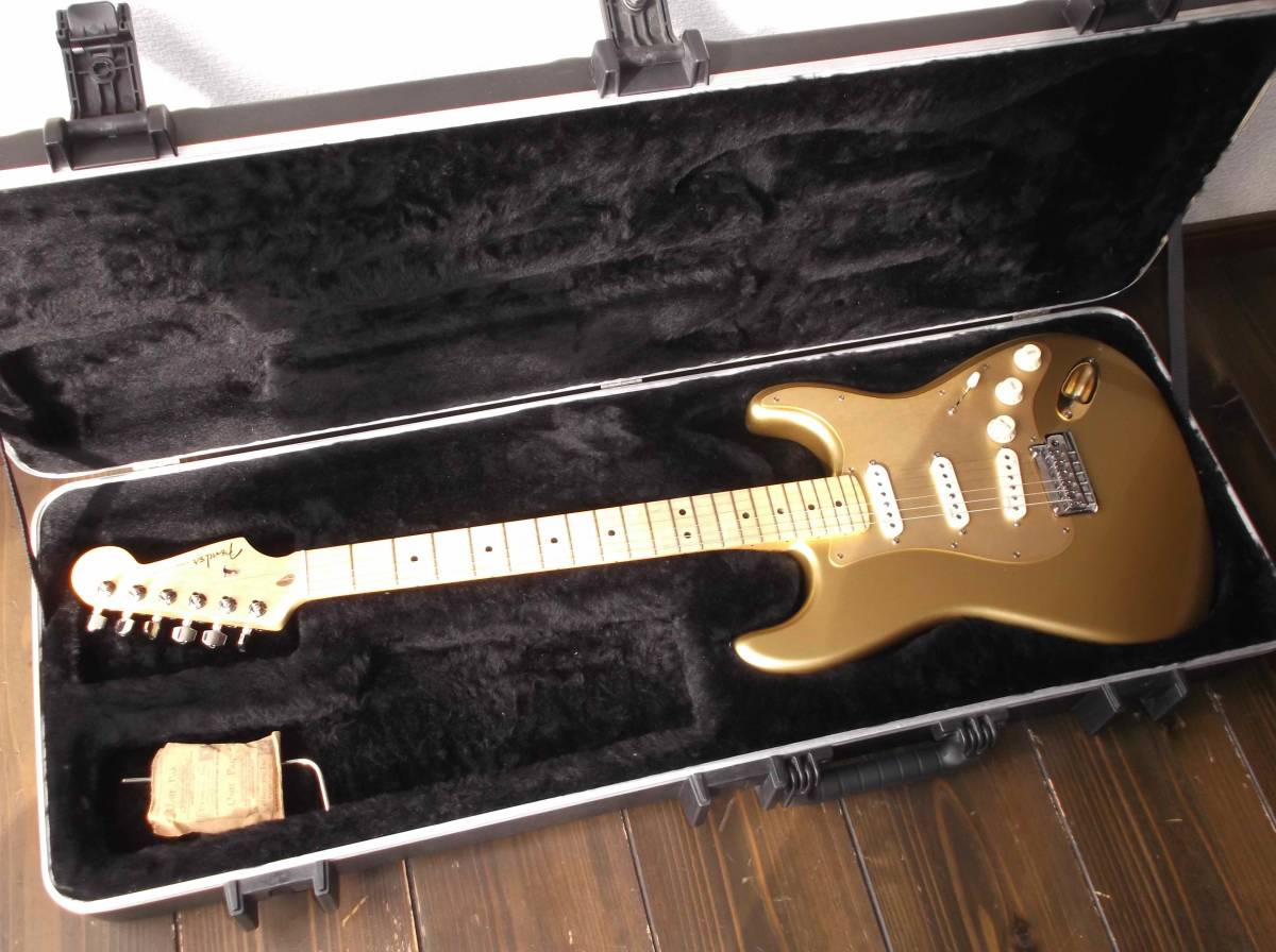 Fender USA/フェンダー USA エレキギター American Deluxe Stratocaster Gold