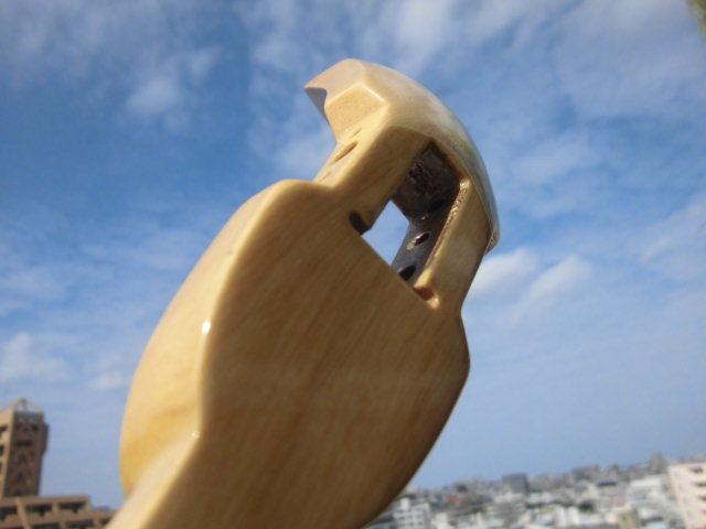 (送料無料)21.000円 沖縄三線専用 透明塗棹、蛇皮強化(二重張)型チーガ、カラクイセット_画像7