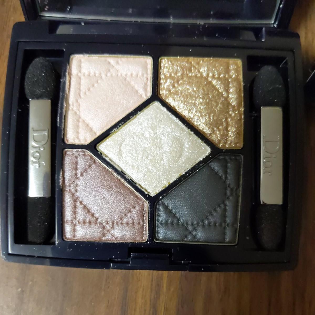 Dior アイシャドウ サンククルール #644 ゴールデンスノー