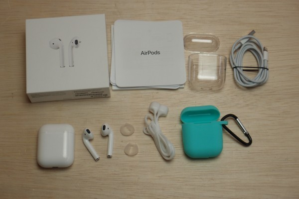 Apple AirPods 第2世代 MV7N2J/A with Charging Case ネックストラップ ケース付き 送料無料