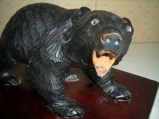 北海道土産品 アイヌ民芸品 木彫りの親子熊 母熊・小熊2匹 置物_画像2