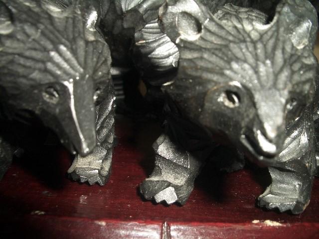 北海道土産品 アイヌ民芸品 木彫りの親子熊 母熊・小熊2匹 置物_画像7
