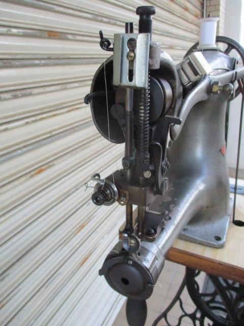 CIRDAR サーダー TF-3 / 腕ミシン 革ミシン 皮革製品製造修理 レザークラフト 工業用ミシン 足踏み 網脚 引き出し_画像4