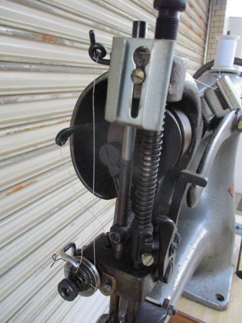 CIRDAR サーダー TF-3 / 腕ミシン 革ミシン 皮革製品製造修理 レザークラフト 工業用ミシン 足踏み 網脚 引き出し_画像5